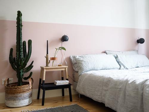 Halfgeverfde muur slaapkamer