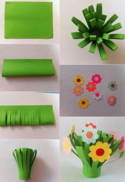 Papieren bloemenvaasje