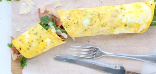 omelet met parmaham en rucola