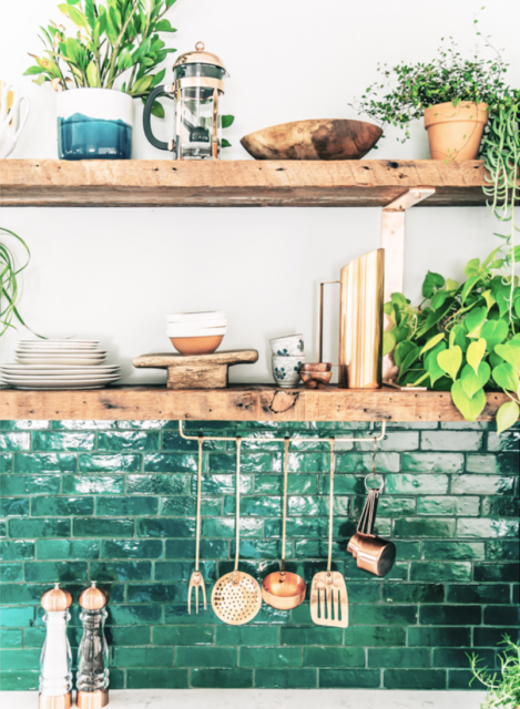 Keukenrek met plantjes