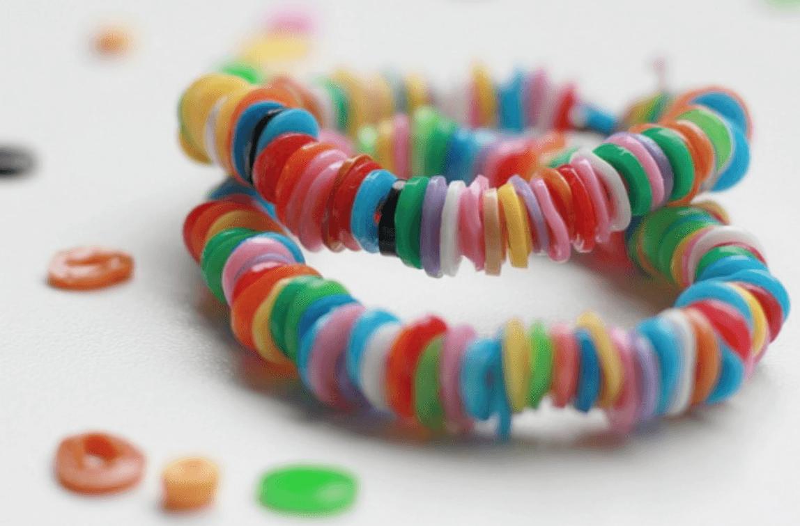 Armbandjes van strijkparels